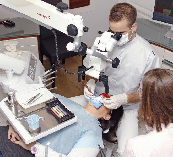Fogászati mikroszkóp a Móricz Dentalban